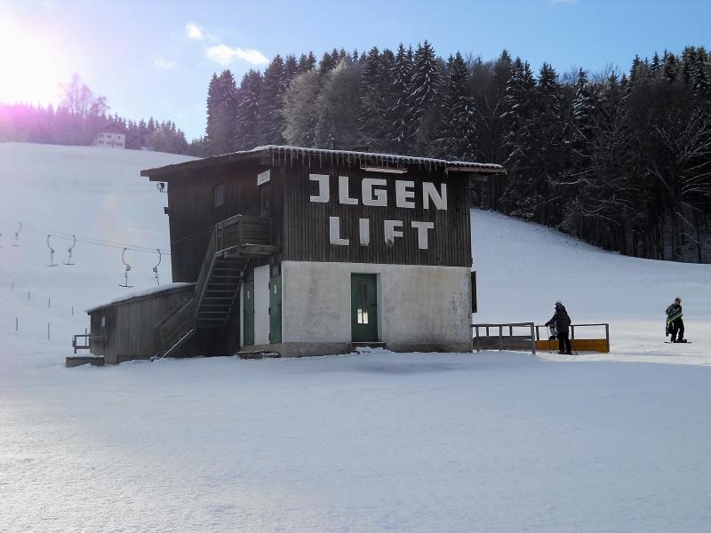 übers feld skilift